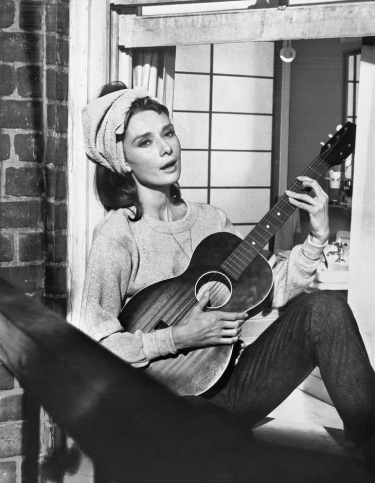 Moon River Hepburn